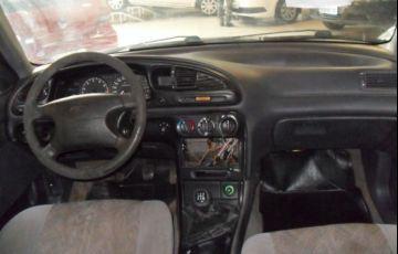 Ford Mondeo CLX 2.0 16V - Foto #6