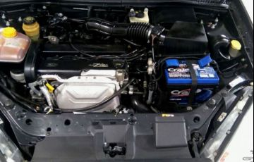 Ford Focus Ghia 2.0 16V - Foto #9