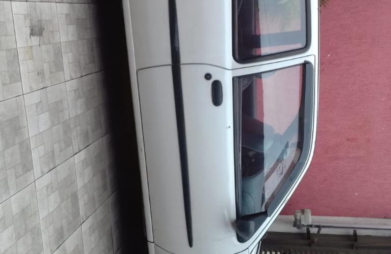 Ford Fiesta Hatch 1.0 MPi 2p - Foto #2