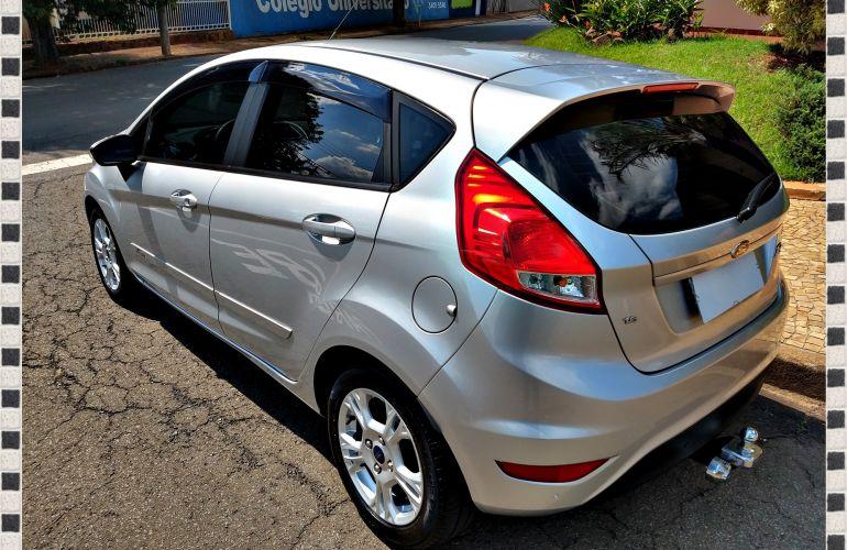 Ford New Fiesta SE 1.6 16V - Foto #6