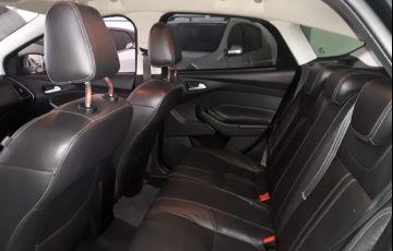 Ford Focus Hatch SE 1.6 16V TiVCT - Foto #8