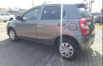 Toyota Etios X 1.3 16V Flex - Foto #6