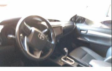Toyota Hilux 2.8 TDi CD Srv 4x4 (aut) - Foto #9