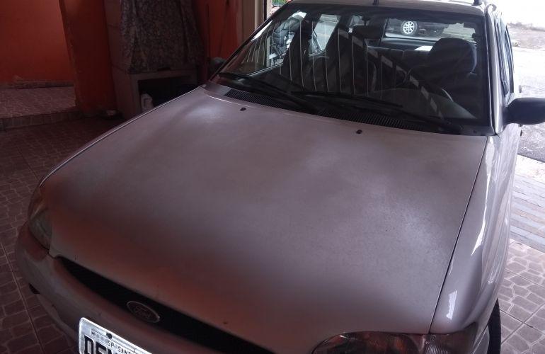 Ford Escort Hatch GL 1.8 MPi 16V - Foto #2