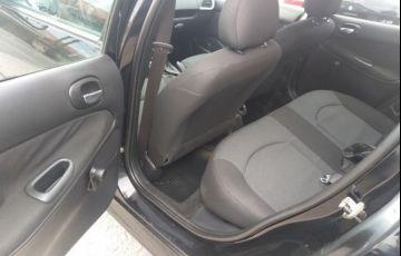 Peugeot 207 Sedan XR Sport Passion 1.4 8V Flex - Foto #7
