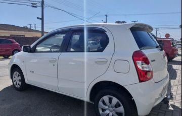 Toyota Etios XS 1.3 16V Flex - Foto #5