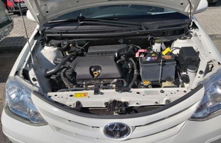 Toyota Etios XS 1.3 16V Flex - Foto #9