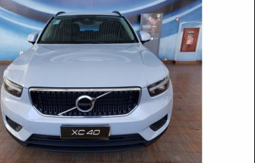 Volvo XC40 2.0 T4 Geartronic - Foto #2
