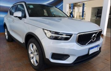 Volvo XC40 2.0 T4 Geartronic - Foto #3
