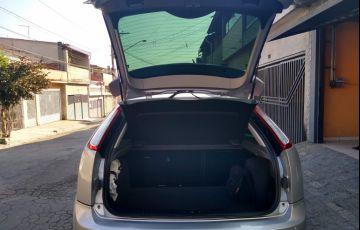 Ford Focus Hatch Ghia 2.0 16V (Flex) (Aut) - Foto #3