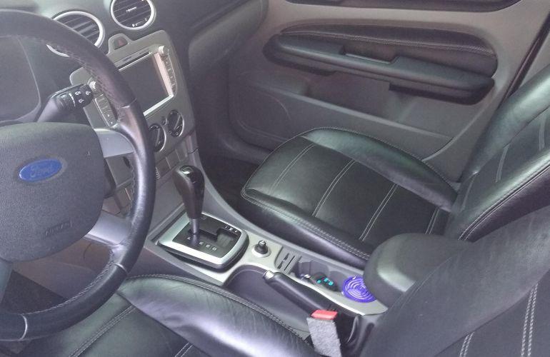 Ford Focus Hatch Ghia 2.0 16V (Flex) (Aut) - Foto #4