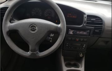 Chevrolet Zafira 2.0 MPFi Comfort 8V Flex 4p Manual - Foto #10