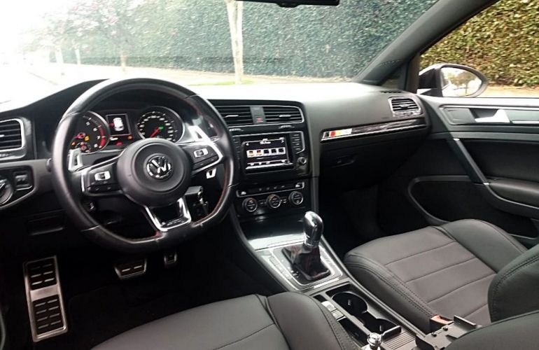 Volkswagen Golf GTI 2.0 TSi DSG - Foto #8