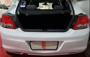 Chevrolet Onix 1.0 MPFi LS 8V Flex 4p Manual - Foto #4