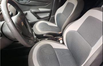 Chevrolet Onix 1.0 MPFi LS 8V Flex 4p Manual - Foto #8