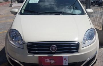 Fiat Linea Essence Dualogic 1.8 16V Flex