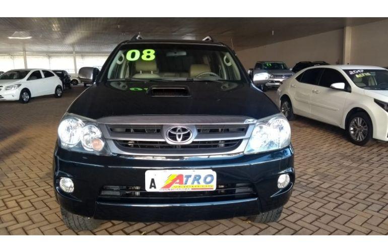 Toyota Hilux SW4 SRV 3.0 TDI 4X4 (5 Lugares) - Foto #1