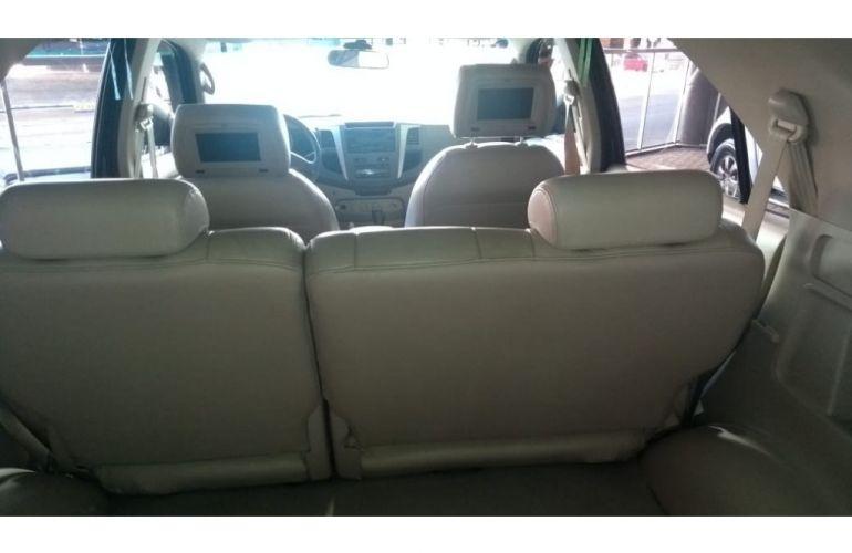 Toyota Hilux SW4 SRV 3.0 TDI 4X4 (5 Lugares) - Foto #6