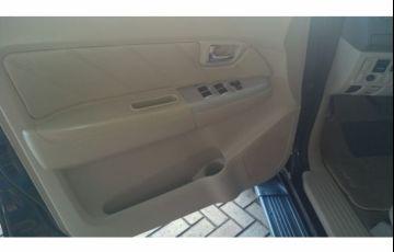 Toyota Hilux SW4 SRV 3.0 TDI 4X4 (5 Lugares) - Foto #10