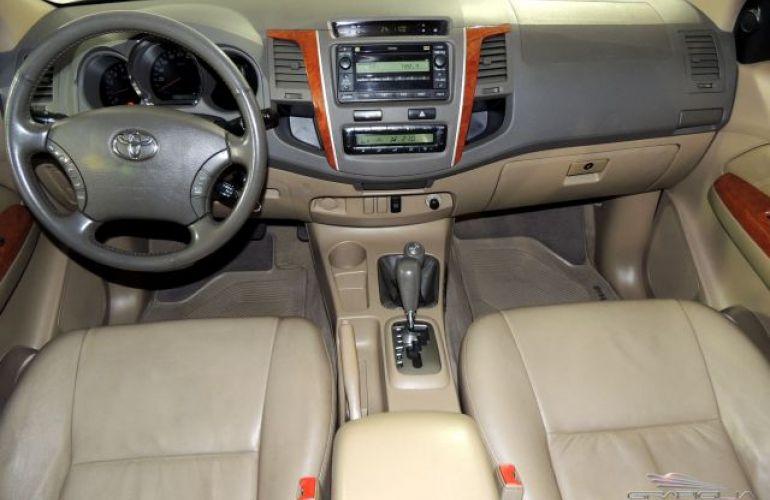 Toyota SW4 SRV 4X4 7 Lugares 3.0 Turbo Intercooler 16V - Foto #5
