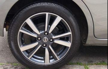 Nissan March 1.6 16V SL CVT (Flex)