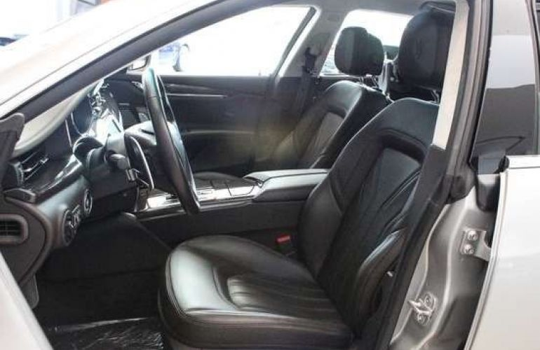 Maserati Quattroporte GTS 3.8 V8 turbo Aut. - Foto #4