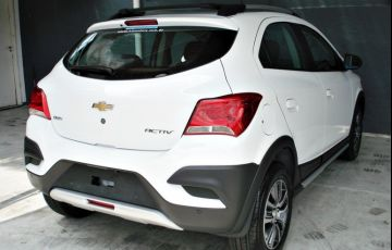 Chevrolet Onix 1.4 MPFi Activ 8v - Foto #5