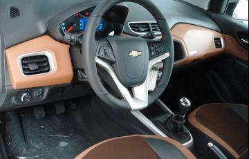 Chevrolet Onix 1.4 MPFi Activ 8v - Foto #7