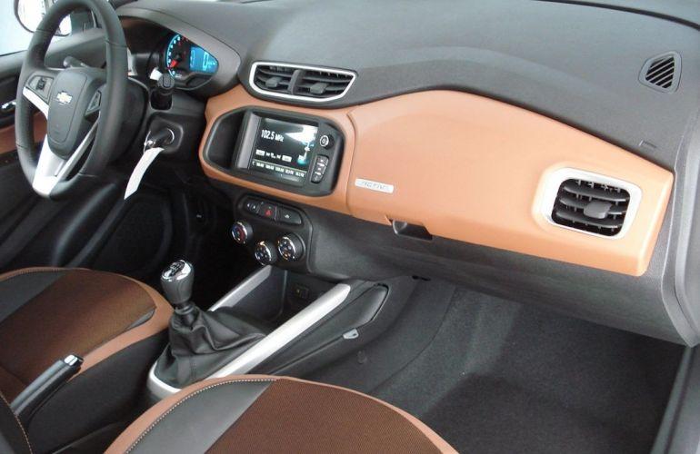 Chevrolet Onix 1.4 MPFi Activ 8v - Foto #8