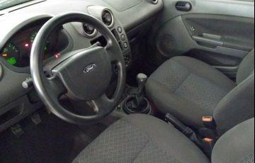 Ford Fiesta Sedan 1.0 MPI 8V Flex - Foto #4