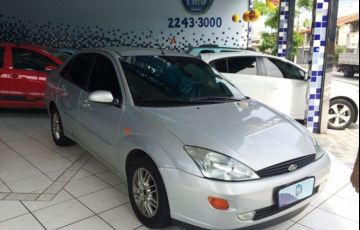 Ford Focus Sedan 2.0 16V - Foto #1