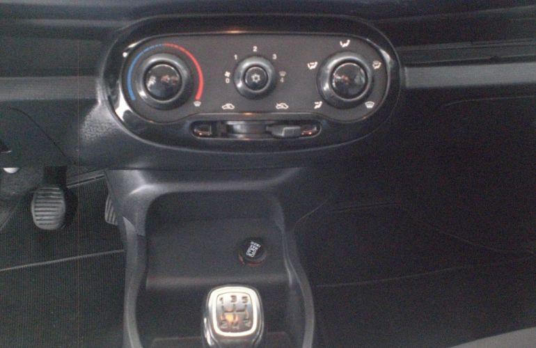 Fiat Uno Attractive 1.0 8V (Flex) 4p - Foto #10