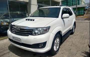 Toyota Hilux SW4 3.0 TDI 4x4 SRV 5L