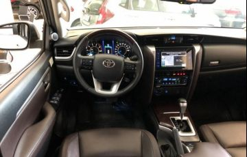 Toyota Hilux SW4 SRX AT 7 Lugares 2.8L 16V Turbo Intercooler - Foto #4