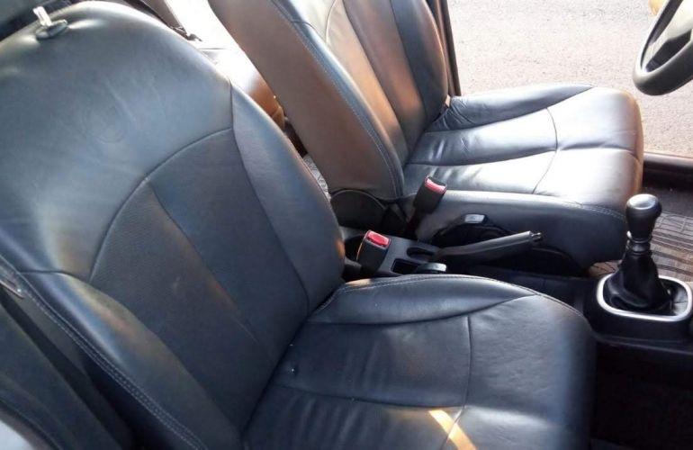 Nissan Tiida S 1.8 (flex) - Foto #9