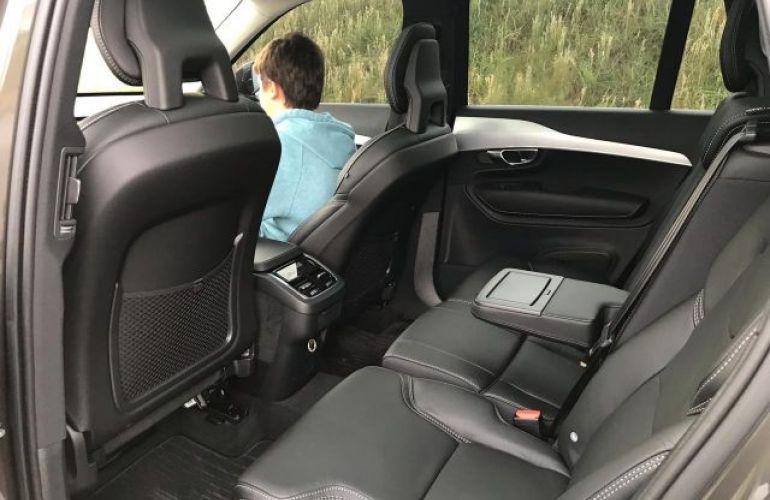 Volvo XC90 T6 Momentum 2.0 16V Turbo - Foto #6