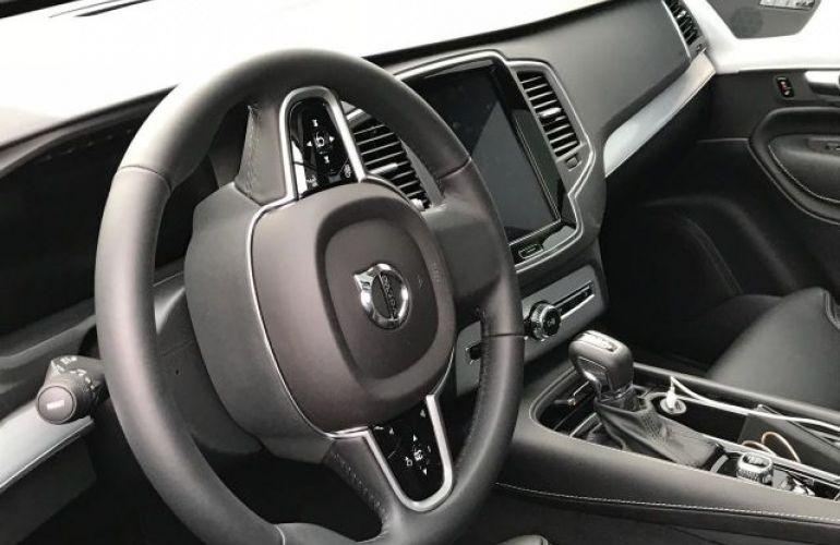 Volvo XC90 T6 Momentum 2.0 16V Turbo - Foto #8