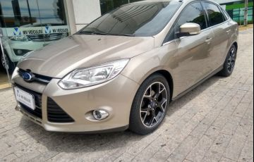 Ford Focus Sedan Titanium 2.0 16V PowerShift