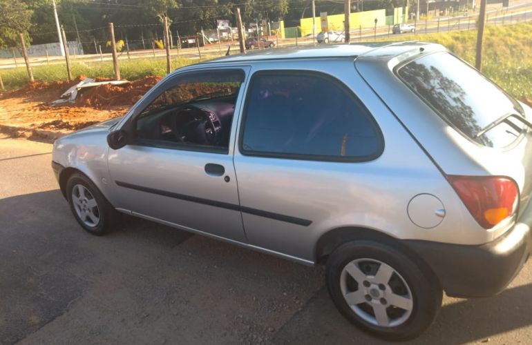 Ford Fiesta Hatch GL 1.0 MPi 2p - Foto #4