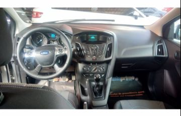 Ford Focus Hatch S 1.6 16V TiVCT - Foto #6