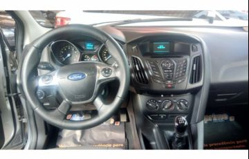 Ford Focus Hatch S 1.6 16V TiVCT - Foto #9