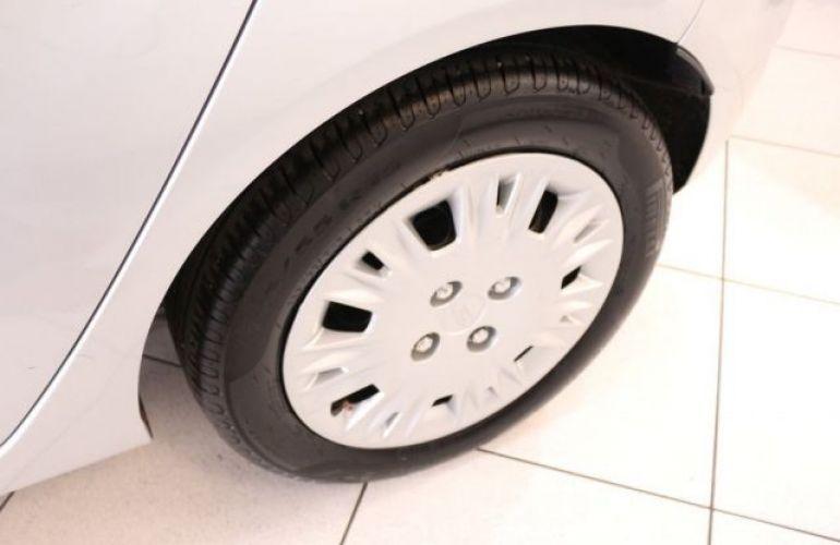 Ford Fiesta SE 1.6 - Foto #6