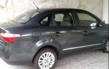 Fiat Siena Essence 1.6 16V Dualogic (Flex)