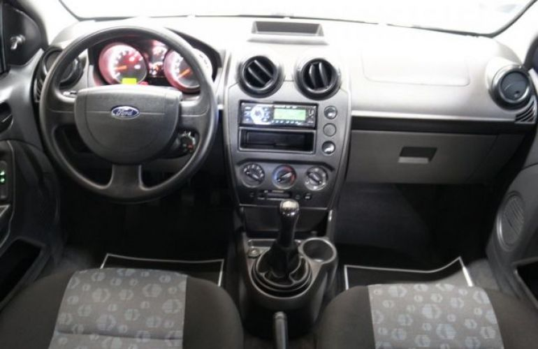 Ford Fiesta 1.0 8V Flex - Foto #8
