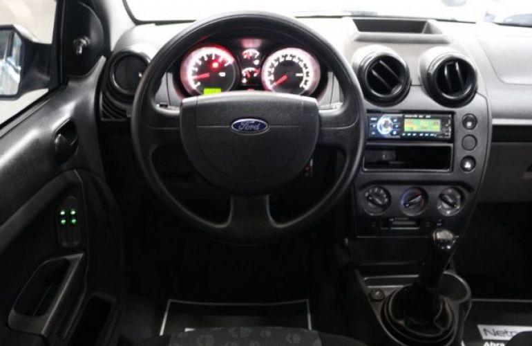 Ford Fiesta 1.0 8V Flex - Foto #9