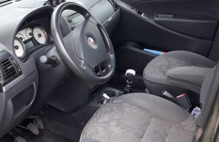 Fiat Idea Adventure Locker 1.8 (Flex) - Foto #1