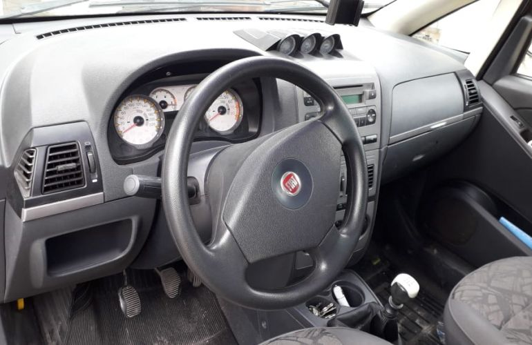 Fiat Idea Adventure Locker 1.8 (Flex) - Foto #2