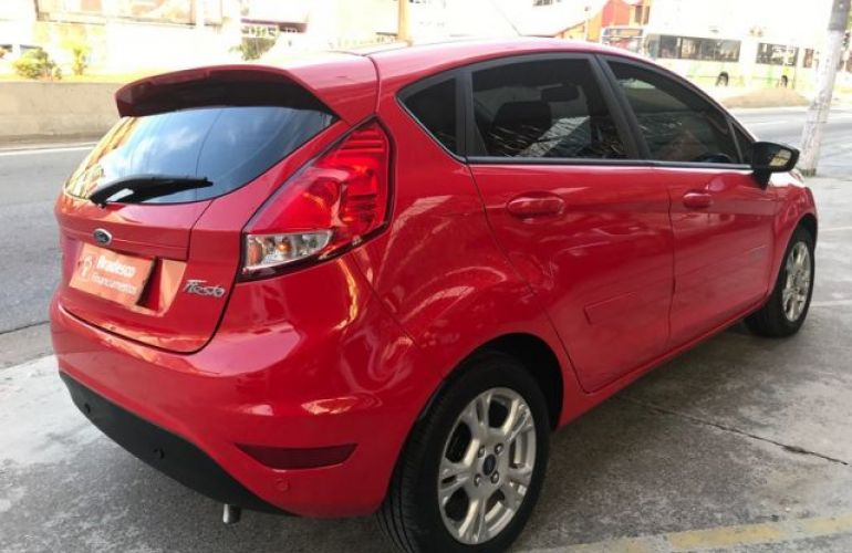 Ford Fiesta 1.6 SEL - Foto #10
