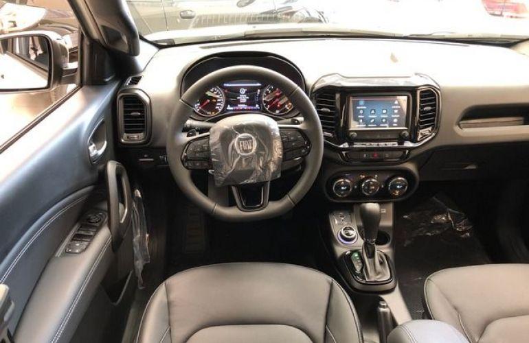Fiat Toro Ultra 2.0 16V AT9 4WD - Foto #4