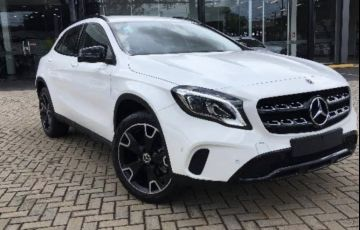 Mercedes-Benz GLA 200 Night - Foto #1
